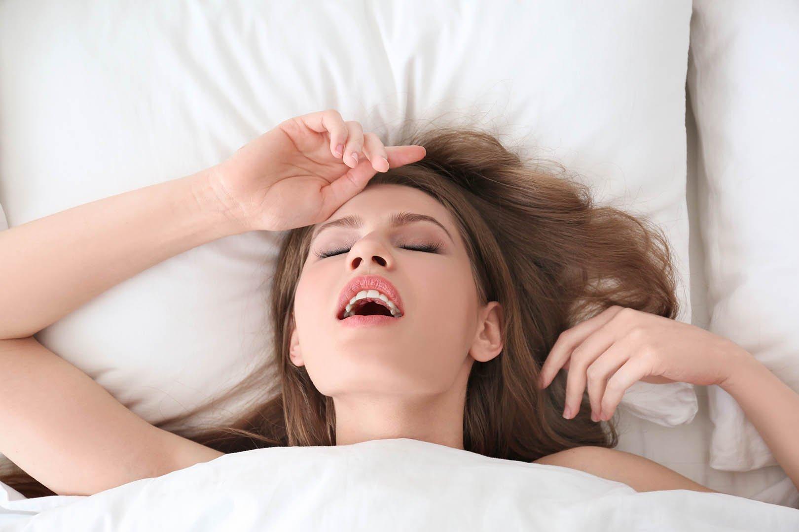 Bagaimana Mencapai Puncak Orgasme Pada Wanita?   Lifepack.id