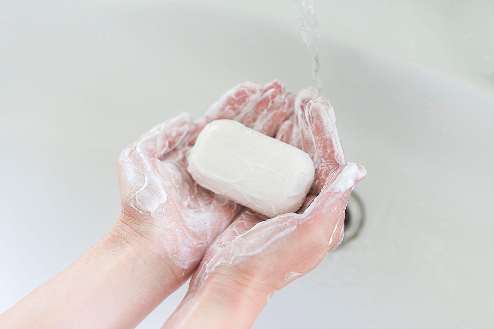 Sabun Antibakteri vs Sabun Biasa, Manakah yang Sebaiknya Digunakan?