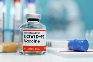 perbedaan vaksin astrazeneca dan sinovac